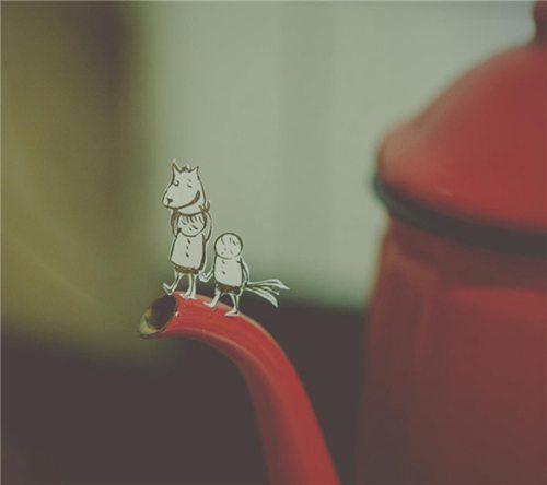 错的人就是错的人,从来不会因为你能忍,或者能熬多点时间,就变成对的人,该走的还是要走。