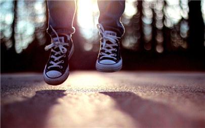 不去期望,失去了不会伤心,得到了便是惊喜。<br />